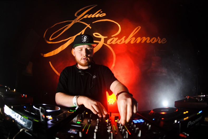 "Julio Bashmore – ""Peppermint"" ft. Jessie Ware ""Official Music Video"""