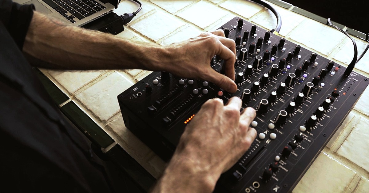 Richie Hawtin introduces the PLAYdifferently: Model 1 DJ mixer